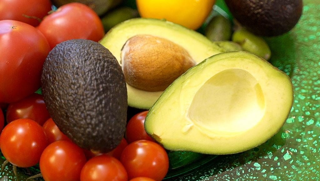 Как хранить авокадо? Рецепт бургера впридачу