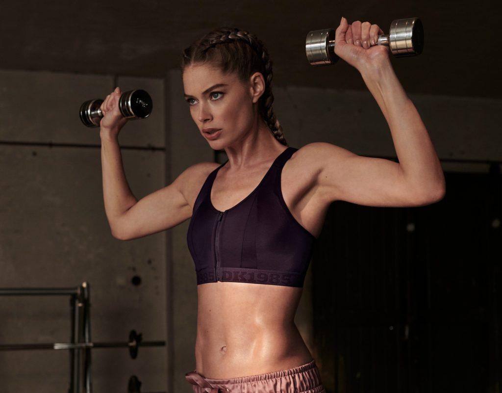 Зачем женщинам силовые тренировки? Отвечает эксперт