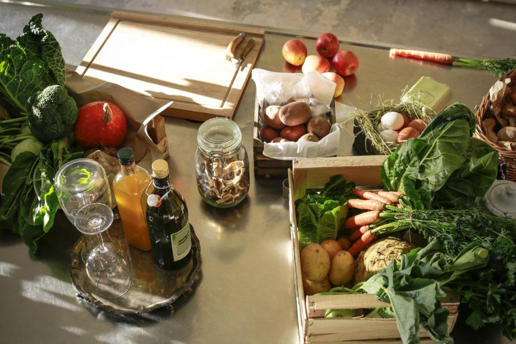 Четыре лайфхака, чтобы овощи и фрукты хранились дольше