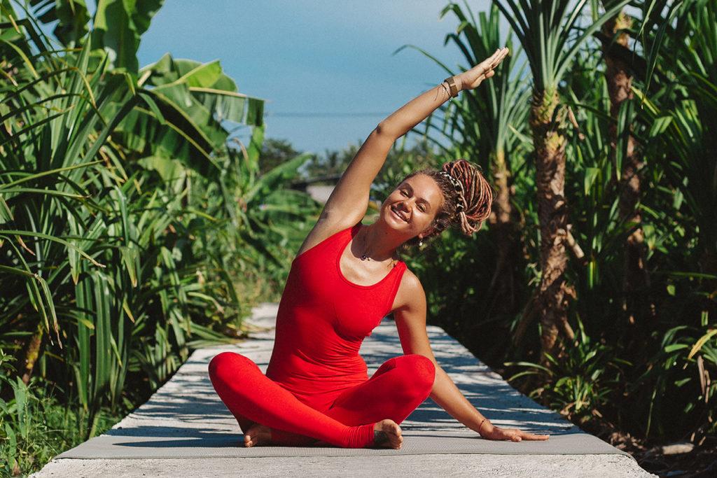 Пять простых поз из йоги, чтобы снять стресс и избавиться от тревоги