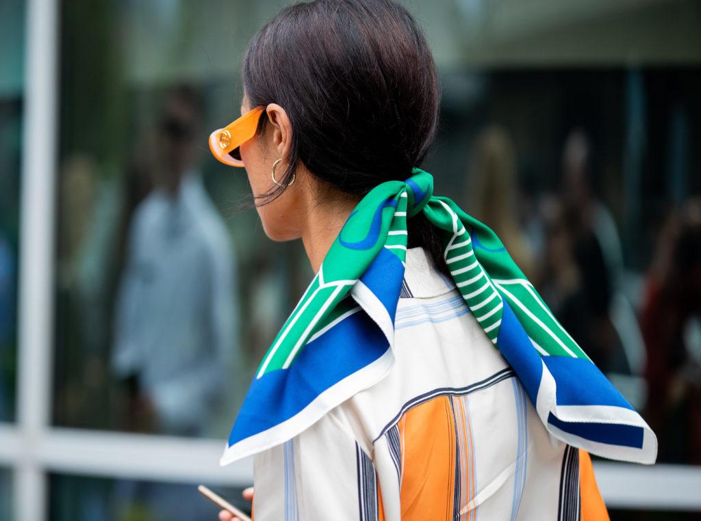 Тренд 2020 –косынка, или Шесть модных способов носить платок