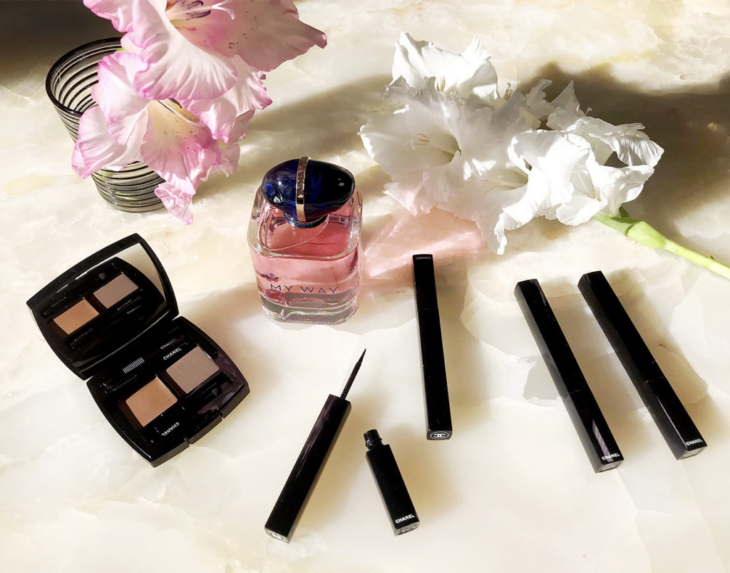 Новинки августа: Chanel – для выразительного взгляда, Armani – запах лета