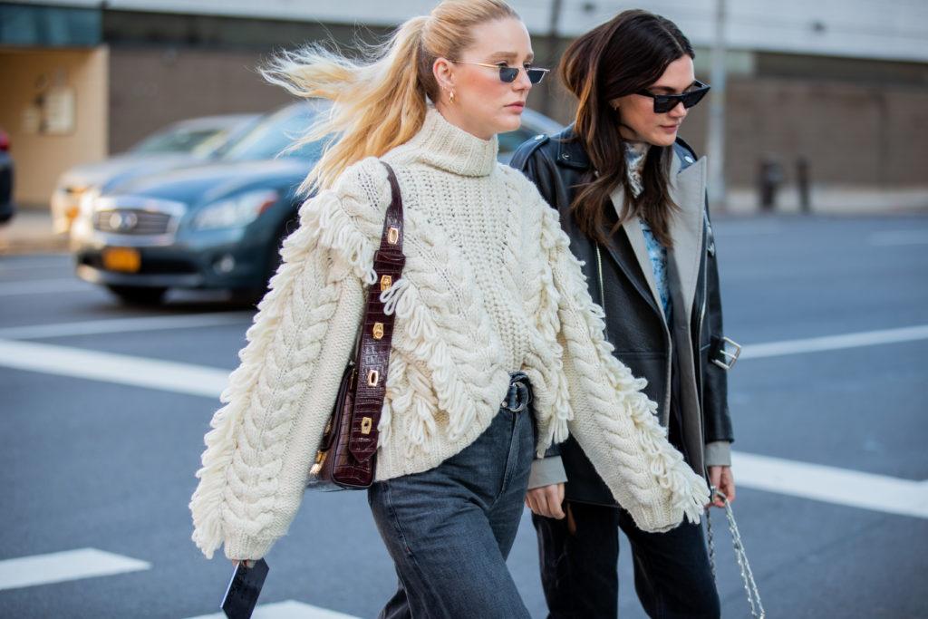 Какой свитер купить на зиму? 4 модных варианта