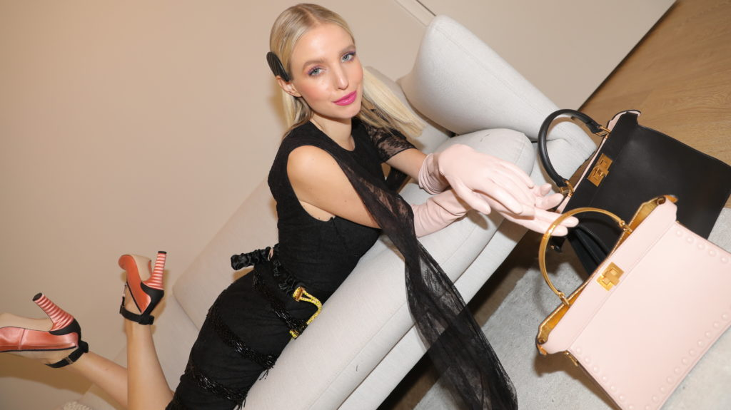 Блогер Леони Ханне – о том, как найти свой стиль, и новой сумке Fendi Peekaboo