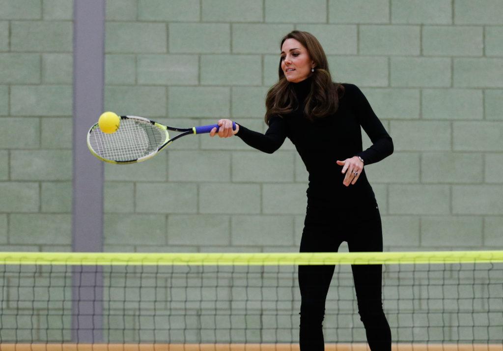 Как поддерживает себя в форме Кейт Миддлтон?