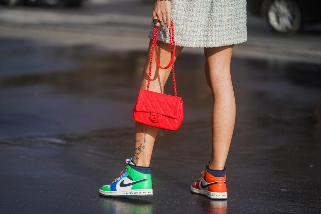 Какие кроссовки купить на весну? 4 актуальные модели