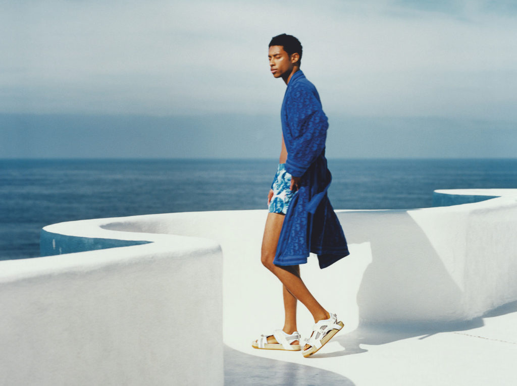А на море белый песок:  пляжная коллекция Dior Men