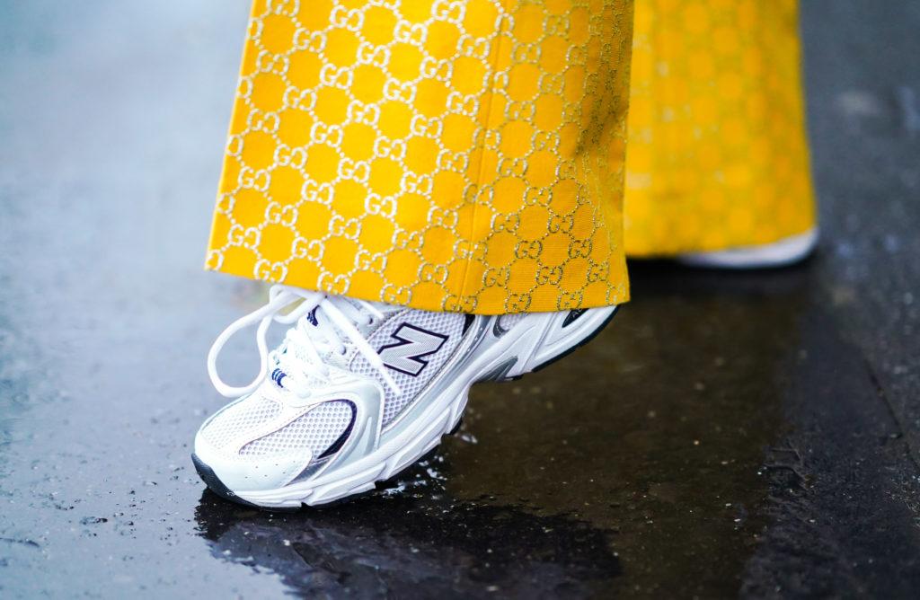 Какие кроссовки купить на осень? Четыре тренда