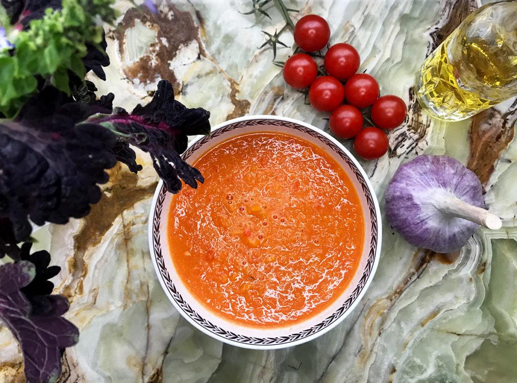 Томатный суп со сладкими овощами